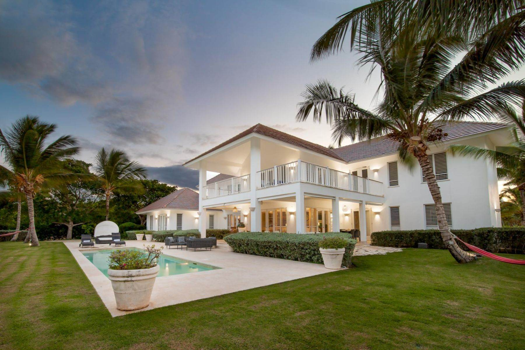 Single Family Homes für Verkauf beim Tortuga # H9 - Villa with golf course and the Caribbean Sea view close to the be Tortuga # H-9, Puntacana Resort & Club Punta Cana, La Altagracia 23000 Dominikanische Republik